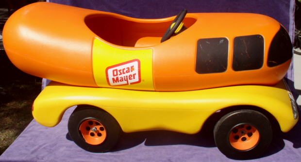 Oscar Mayer Wienermobile likewise Dining Out On Flashback Thursday also Oscar Meyer Rc Weinermobile Lets Top Dog Rc Racing together with Pedal Cars also Oscar Mayer Weighs In On Wiener Whistle Wish 9281110. on oscar meyer weiner toy car