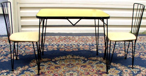 - Mid Century Child's Wire Frame Table & Chairs, BRASS LANTERN ANTIQUES
